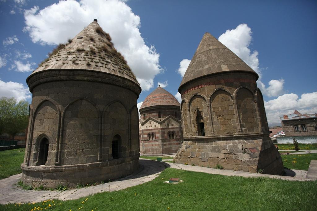 Sevki_Silan_Erzurum-Uc_Kumbetler_IMG_0470